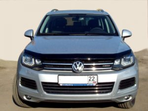 Купить дефлектор капота Volkswagen Touareg 2011 в Минске