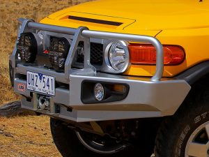 Силовой бампер ARB Deluxe для Toyota FJ Cruiser